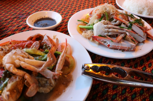 so-kheang-restaurant_kep-crab-market_cambodia.jpg