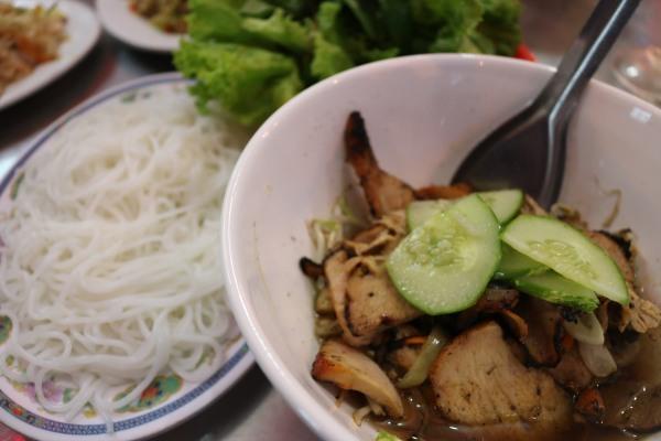 Phuong Nhung Restaurant_Cat Ba Island_Vietnam