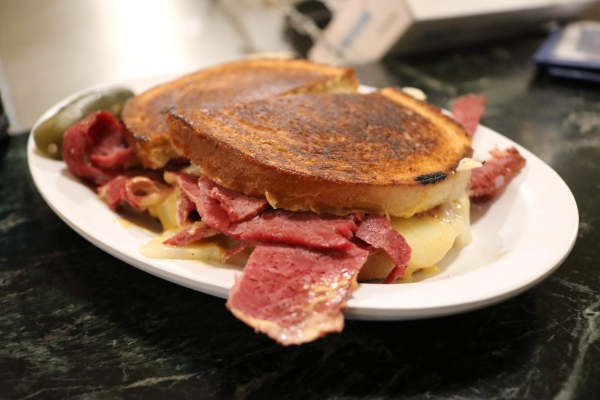 reuben sandwich_eisenberg's sandwich shop_new york city_america