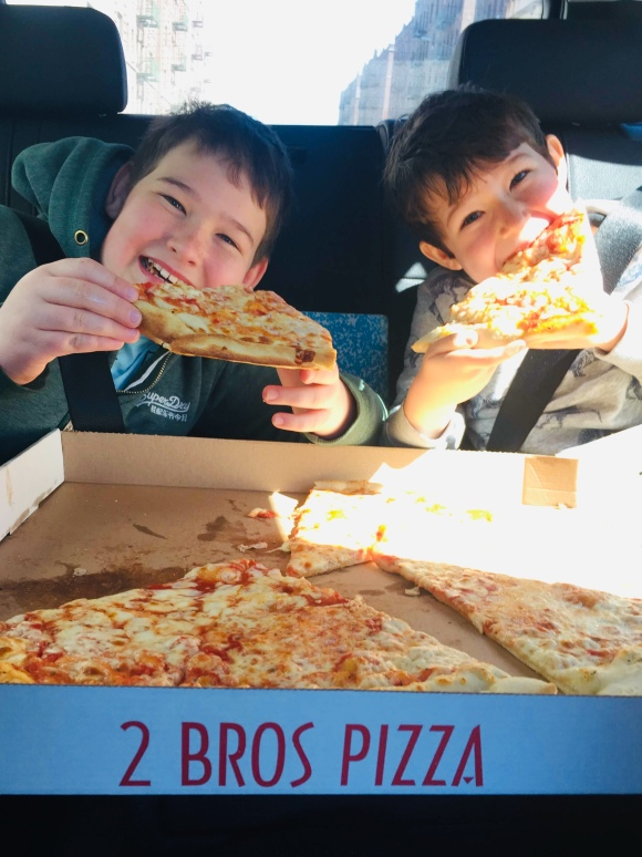 2 Bros Pizza_Bronx_New York_America