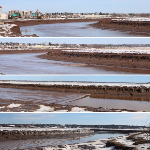 Bay of Fundy_Tidal Bore_Moncton_New Brunswick_Canada