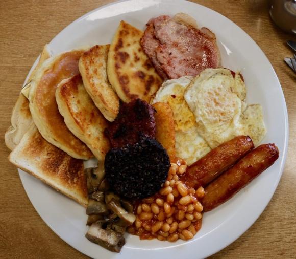 The Belly Buster_Full Irish Breakfast_Belfast_Northern Ireland
